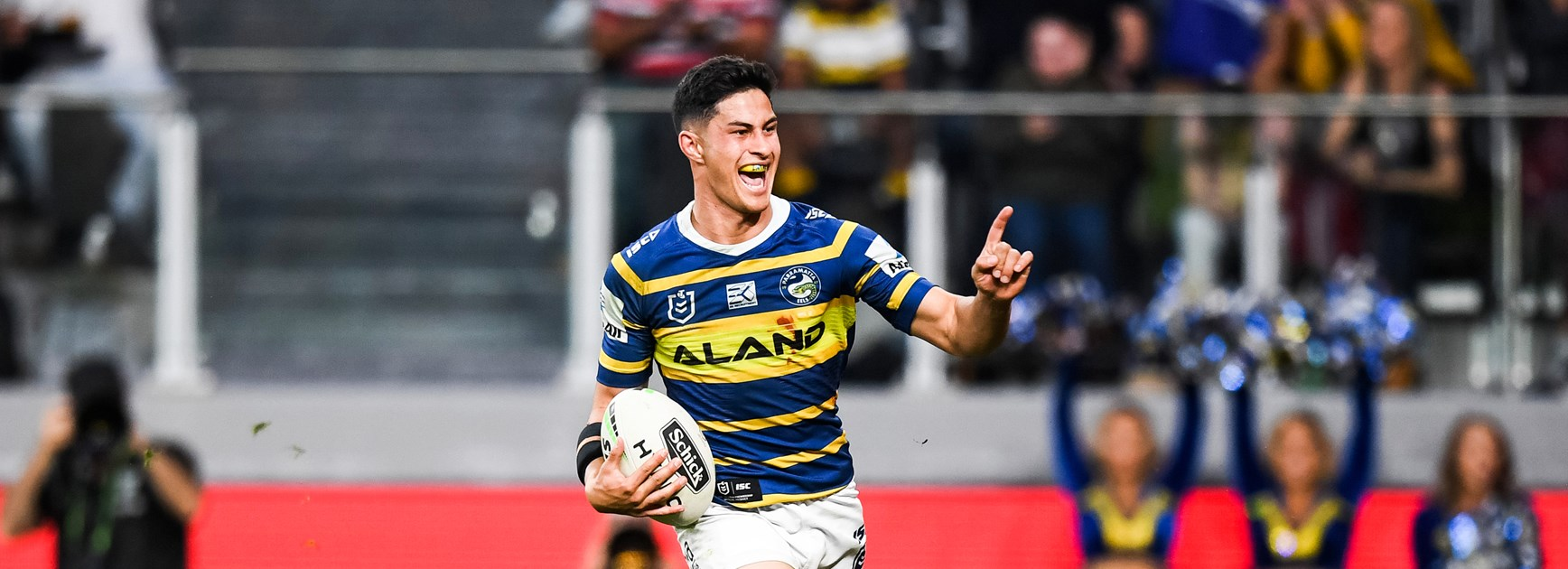 Eels confirm re-signing of Dylan Brown