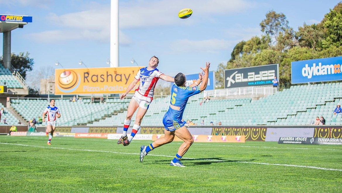 Halauafu Lavaka collects a cross-field kick to score. Photo: Nathan Hopkins