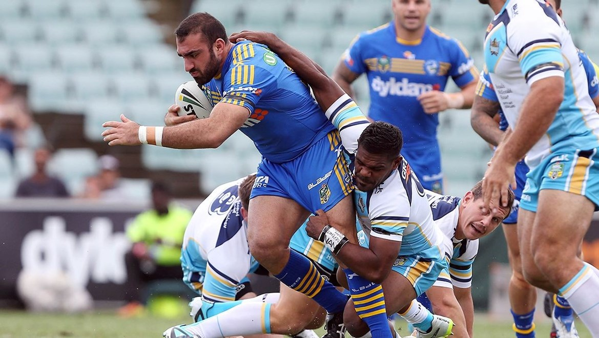 Dyldam Parramatta Eels forward Tim Mannah in action against the Titans. Photo by Robb Cox © nrlphotos.com