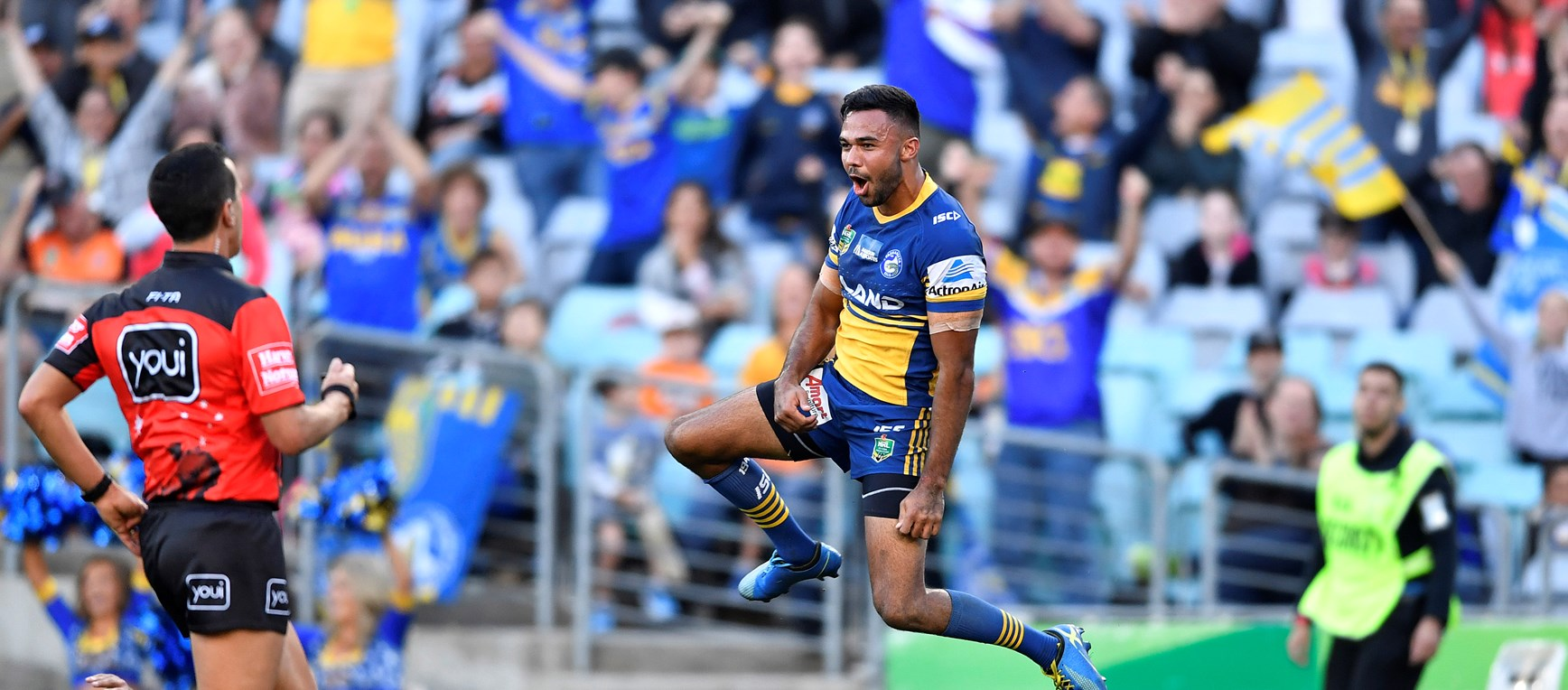 Eels v Wests Tigers in photos